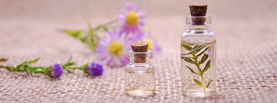 Les huiles essentielles raffermissent le corps et le visage